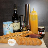 Stokbrood-met-ossenhaas-ingredienten-tapas