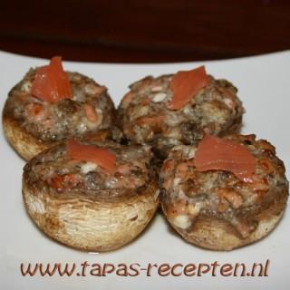 Champignons gevuld met geitenkaas en zalm